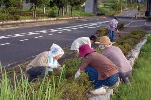 久米地区女性部ボランティア活動 平成19年8月8日