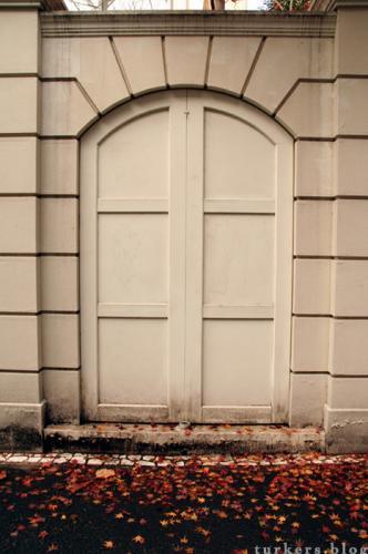 広尾のドア