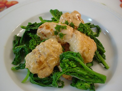 鶏胸肉と菜の花のマヨソース