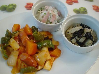 野菜とウィンナーの甘酢炒め