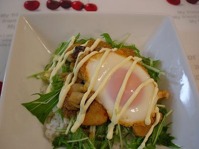 エリンギと水菜のピリ辛胡麻照り丼