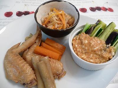 手羽先と根野菜煮