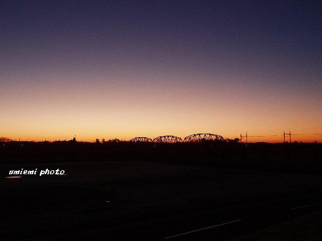 日の出間近