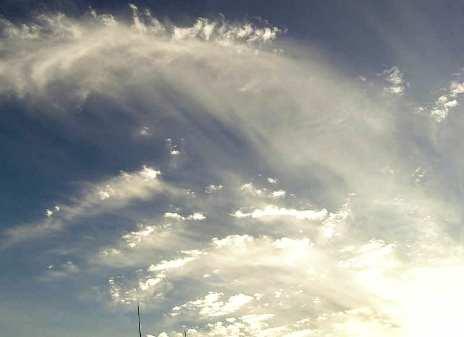 雲からの光