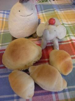 クッキーブレッドとミニロールパン