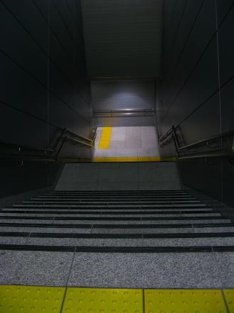 どこに行く階段?