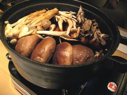 鶏すきしゃぶ用きのこ鍋