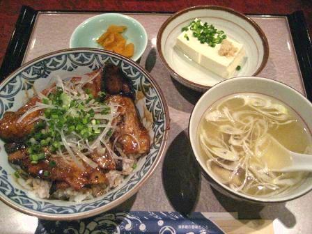 石蔵 炙り豚丼定食