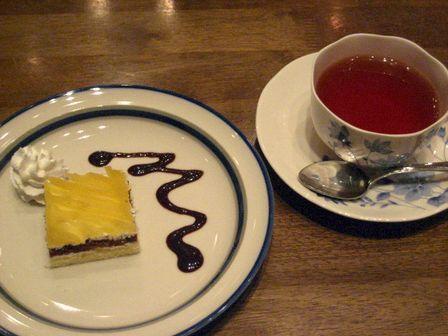ミニモンブランと紅茶