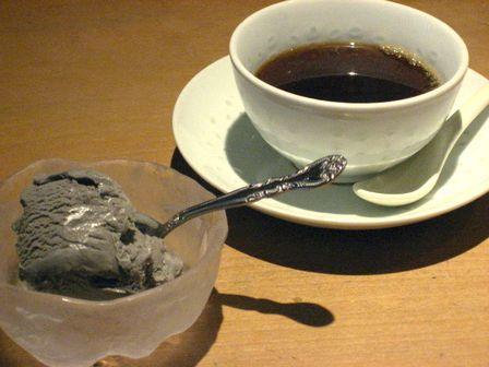 コーヒーと黒胡麻アイス