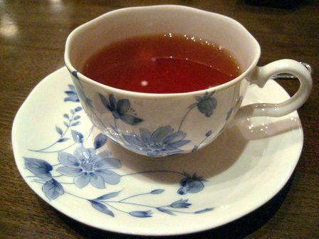 食後は紅茶