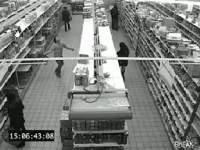 監視カメラが捉えた!買い物カゴにモノを投げ入れる達人