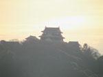 夕暮れの松山城