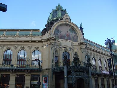 prague_municipalhouse122005.jpg