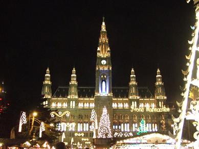 vienna_cityhall122005.jpg