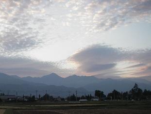夕暮れの常念岳(10.3)