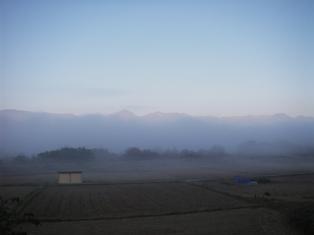 放射霧と北アルプス
