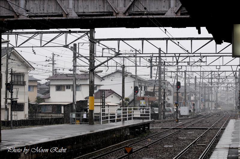 雪の伊予西条駅構内 2008.01.20