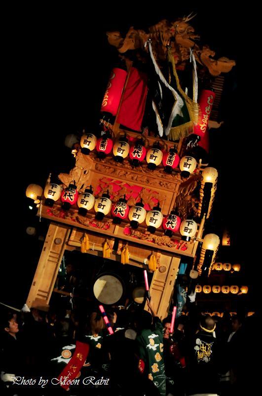 (西条祭り) 伊曽乃神社祭礼 下町中屋台(だんじり) 宮出し(宮だし) その23 伊曽乃神社神門前にて 西条市日明 2008.10.15