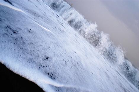 湘南なので、意味も無く、とりあえず波とか・・・