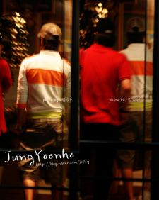 080626 YH in cafe 02