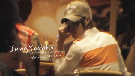 080626 YH in cafe 04