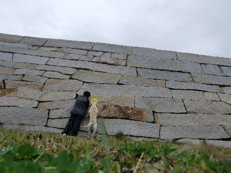 野外ステージの石垣