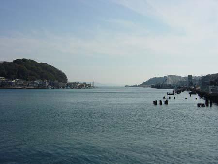 ドックから見た浦賀港