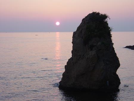 立石の夕陽200611