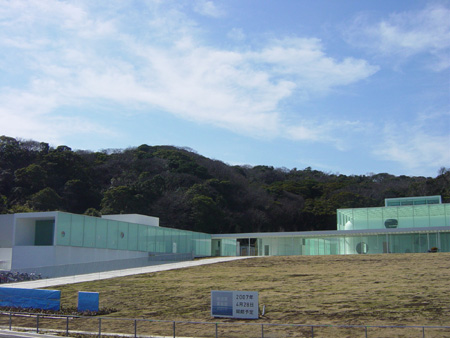 明日開館の横須賀美術館(※画像は3月に撮影)