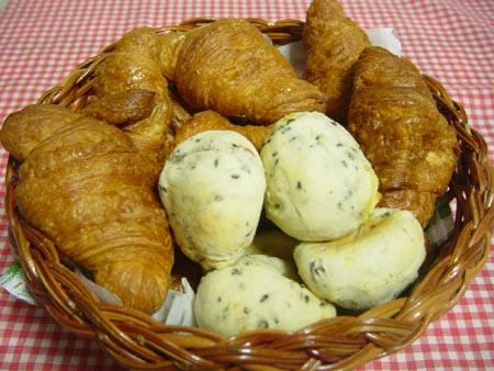 ミニワンのクロワッサンと芋っち