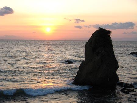 立石の夕陽