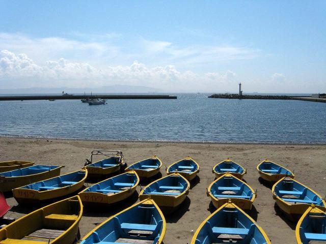 鴨居港とボート