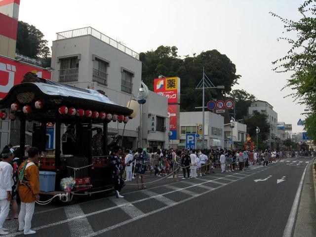 浦賀警察署前
