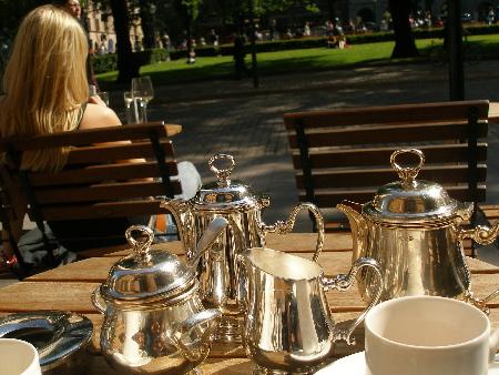テラスでお茶