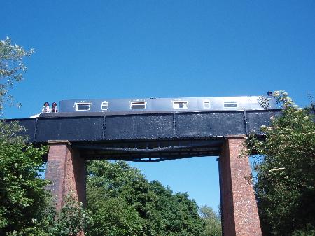 橋を渡る2