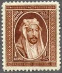 イラク国王像(民族服)