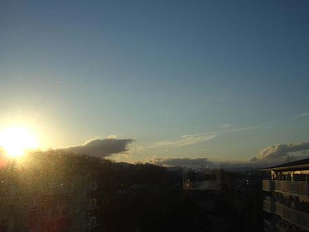 金色の蚕雲