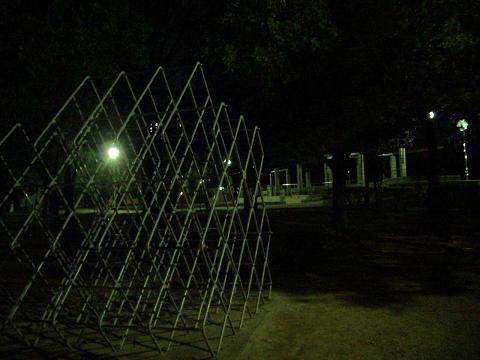夜の公園J・ジム