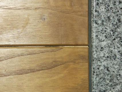 栗床框隙間