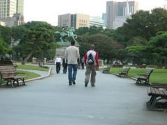 13.皇居前広場