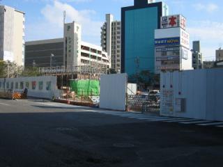リニモ建設工事たけなわの藤ヶ丘駅