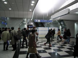20050226_jr-osaka_03.jpg