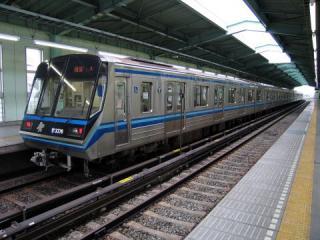 20050612_yokohama-subway_3000n.jpg