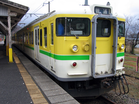 20070325_jreast_ec_115_500_yahiko-02.jpg