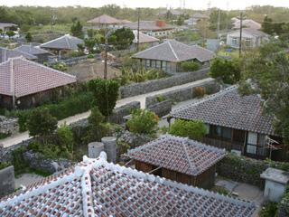 竹富島,赤瓦