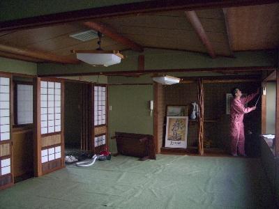 えぶりぃ倶楽部2階客室クロス張替