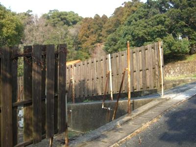 某宿舎外柵補修