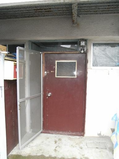 宮谷コーポ102号室~玄関ドア取り替え