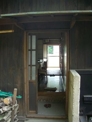 H邸勝手口ドア改修工事